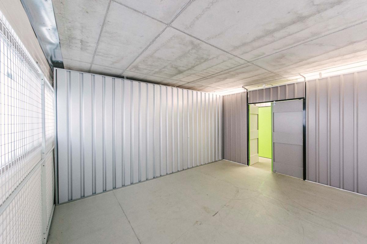 lagerflche mieten beautiful halle im eg eines brohauses in der chemnitzer city zu vermieten. Black Bedroom Furniture Sets. Home Design Ideas